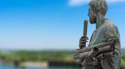statua-aristotele-600x330